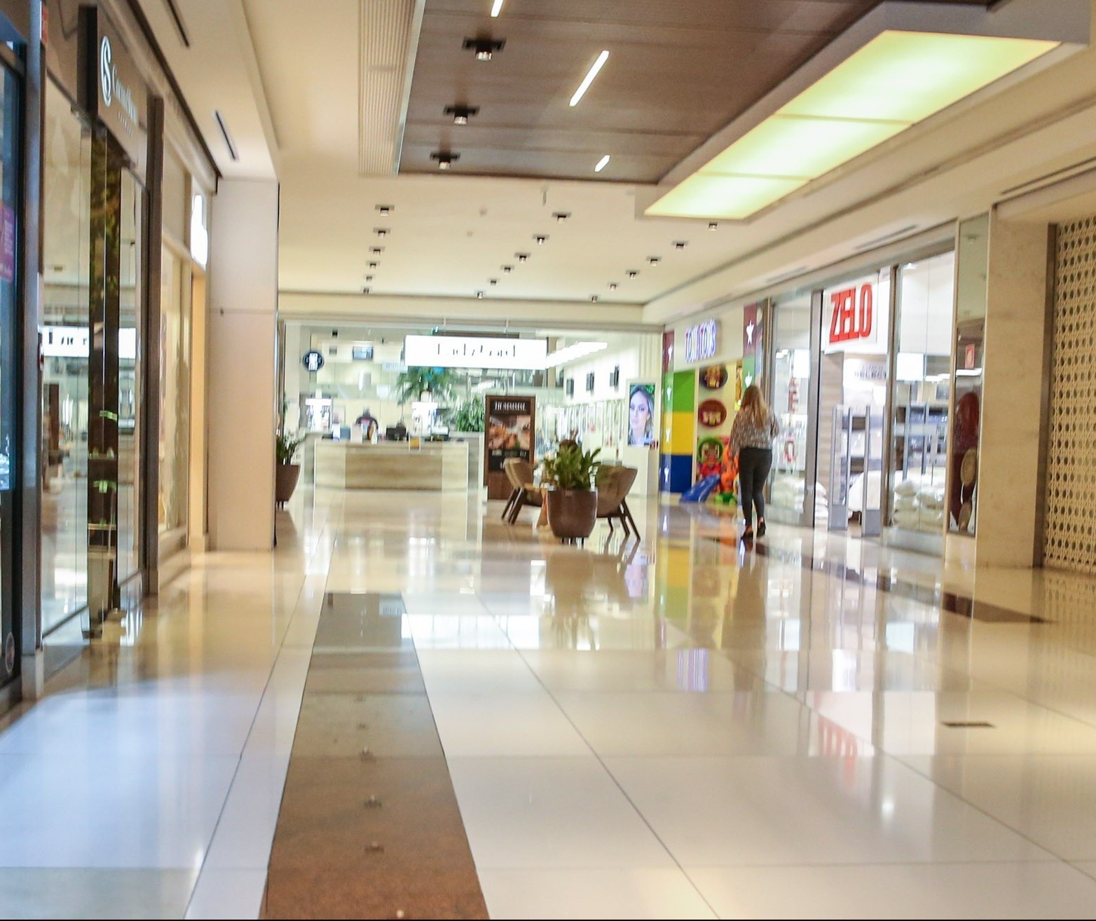 Decreto reabrindo shoppings não sai nesta quinta (07) em Maringá
