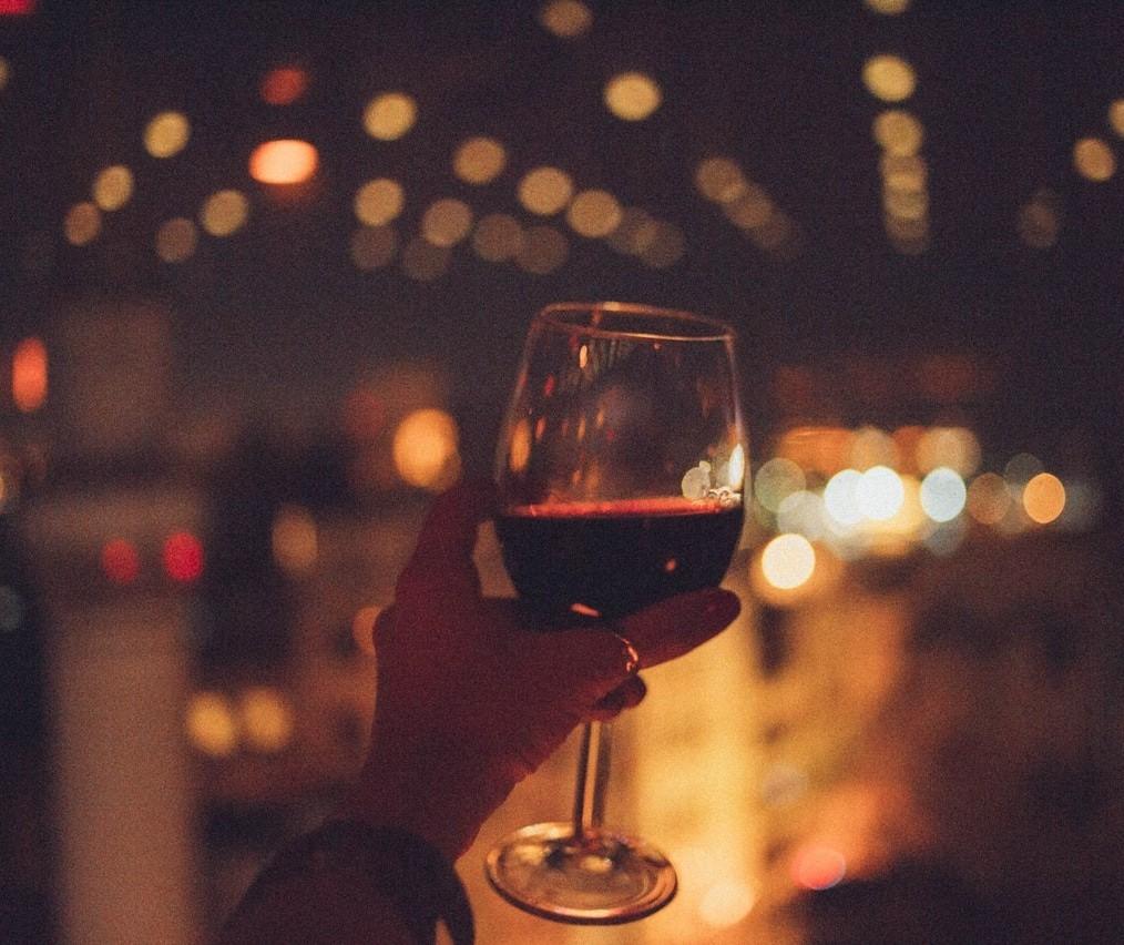 Apreciar vinhos a partir de analogia com cinema