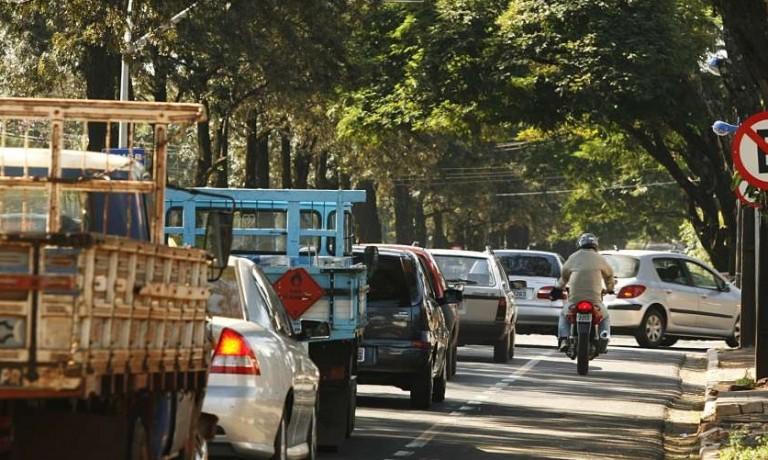 Multas registradas no trânsito de Maringá caem no primeiro semestre