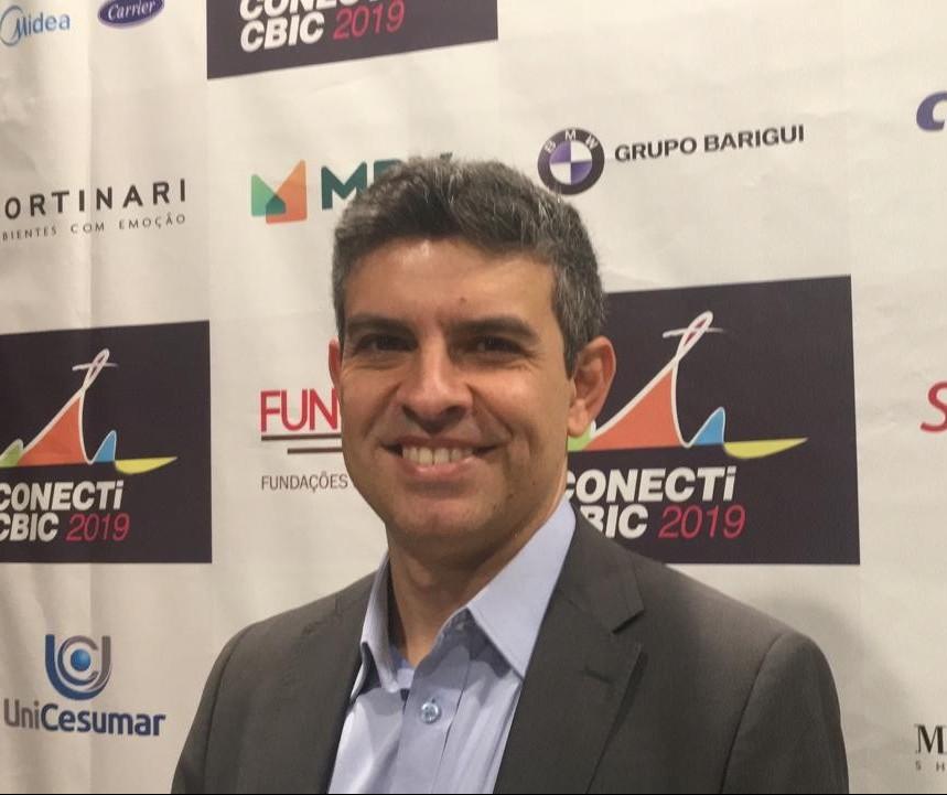 """""""Sociedade brasileira deseja o combate à corrupção"""" diz cientista político"""