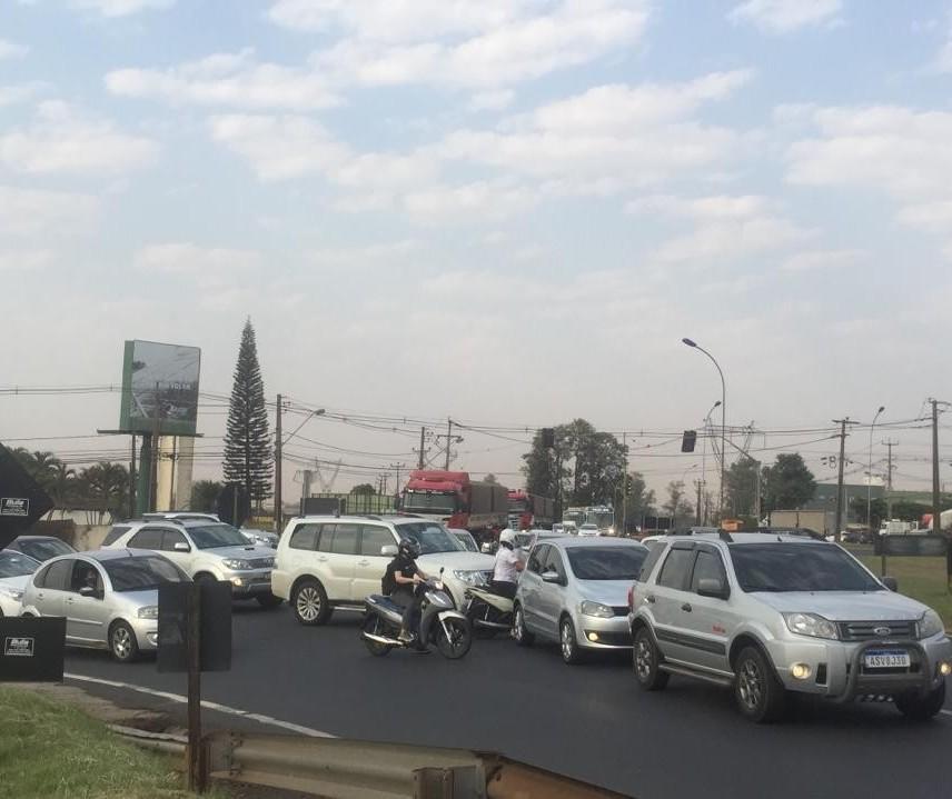 Técnicos da Viapar e DER discutem soluções para congestionamento