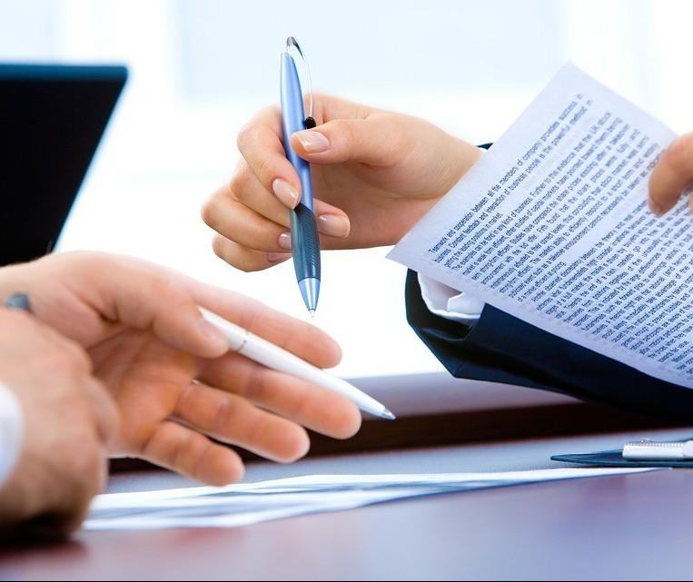 Funções administrativas lideram na geração de emprego em agosto