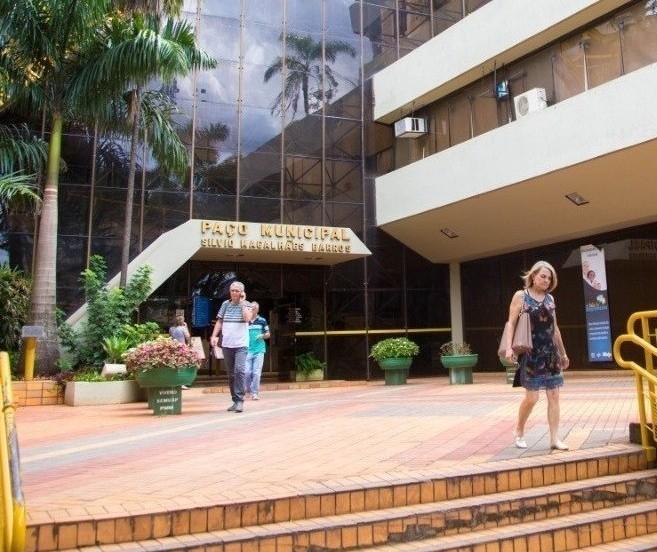Prazo de validade de três concursos da prefeitura está suspenso em Maringá