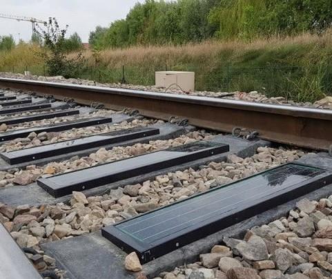 Empresa usa dormentes das linhas de trem para gerar energia limpa