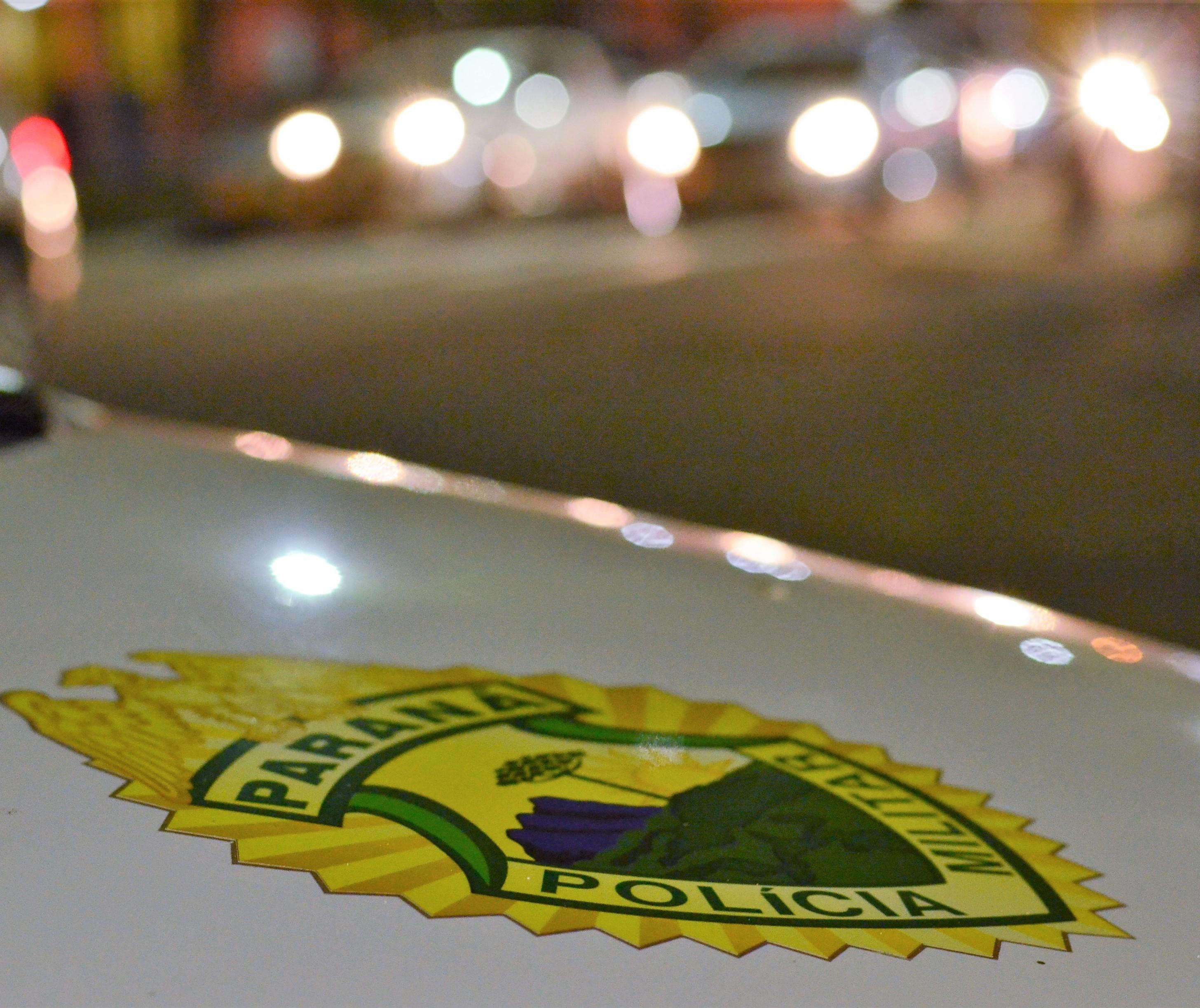 Dois homens são presos após dois roubos na mesma noite com arma falsa