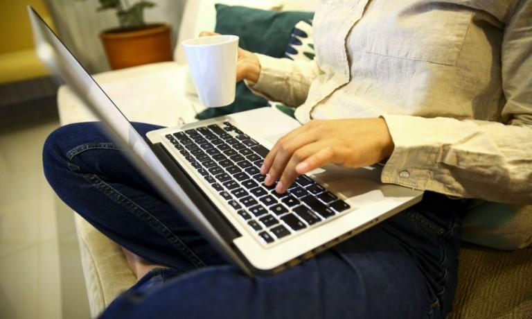 Pesquisa monitora qualidade física de pessoas em home office