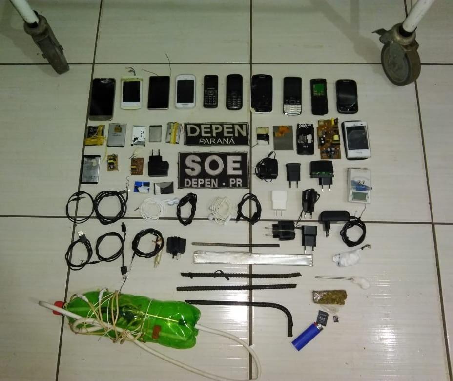 11 celulares são apreendidos durante revista na cadeia de São João do Ivaí