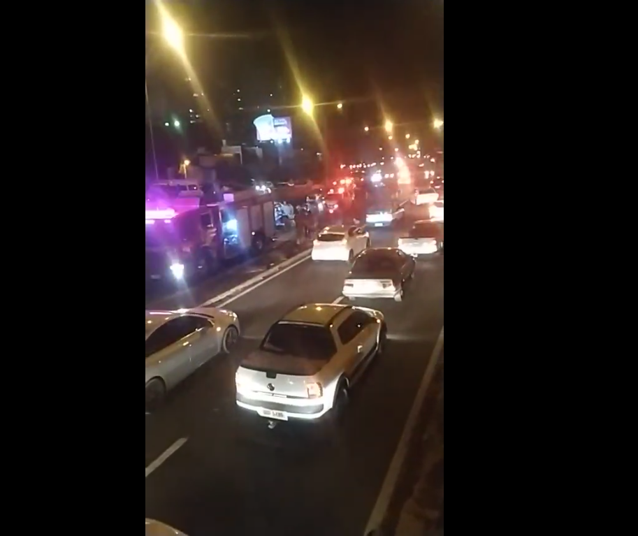 Vídeo: populares registram acidente na Avenida Colombo