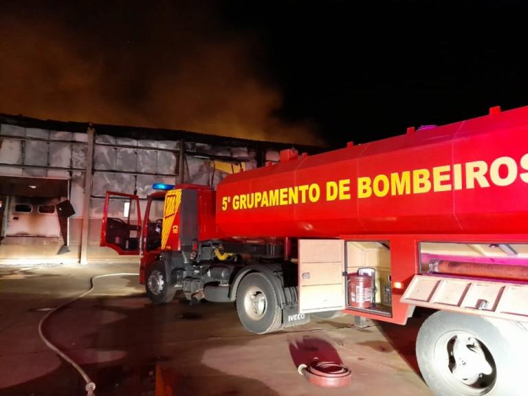 Incêndio atinge granja de aves em Astorga