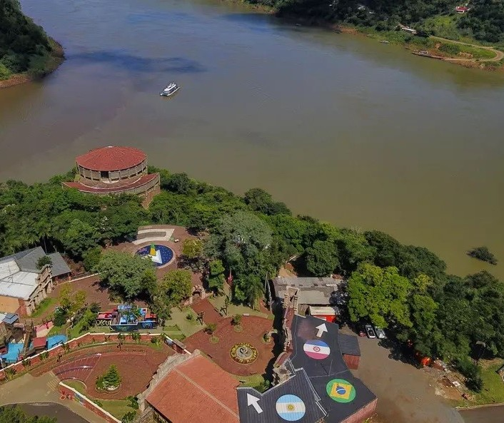 Paraná vai receber doses extras de vacina contra Covid-19 para cidades de fronteira