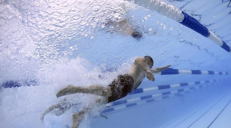 Escolas de natação querem flexibilização da idade em Maringá