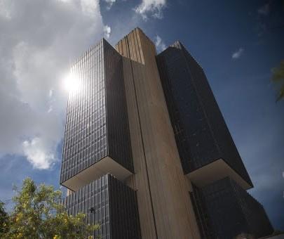Banco Central reduz taxa Selic para 4,25%