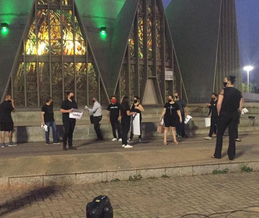 Ato pede a retomada de eventos em Maringá