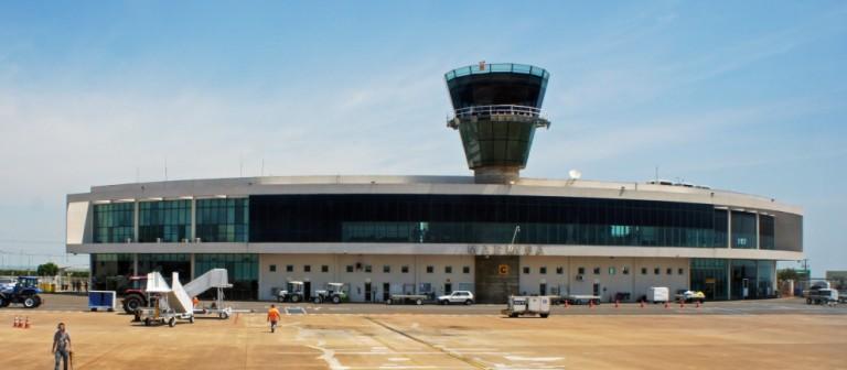 Voo cancelado causa tumulto no Aeroporto de Maringá