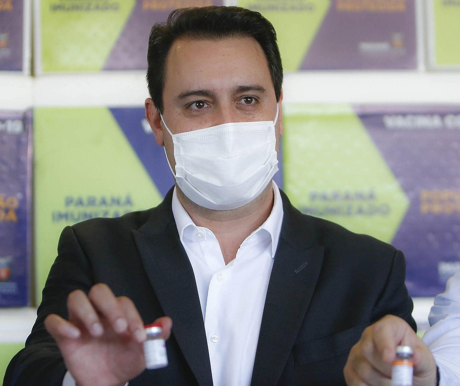 Paraná deve vacinar toda a população adulta com a 1ª dose até setembro, garante governador