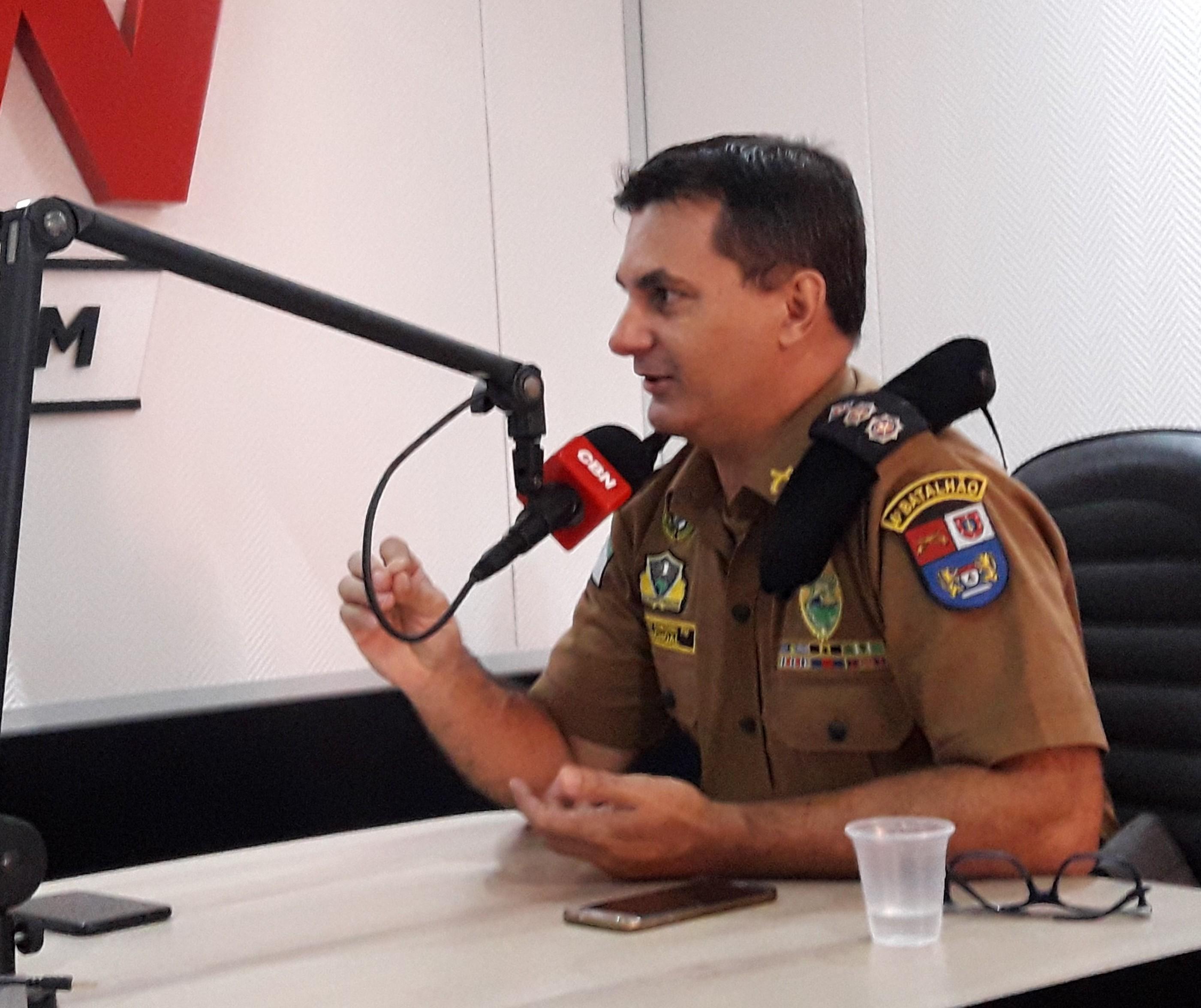 Policial militar vive momento de tensão em 12 horas de trabalho, não é fácil