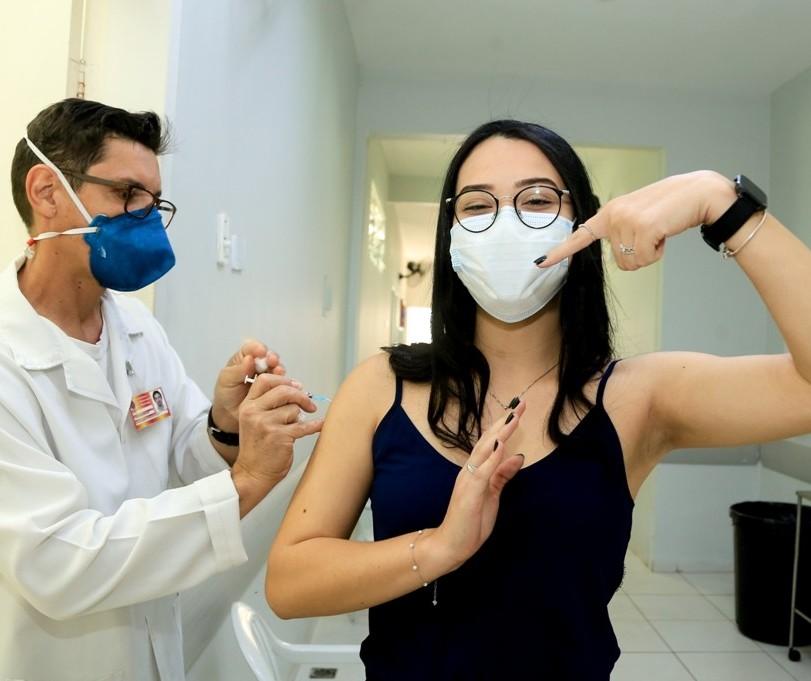 Covid-19: Maringá vacina apenas público de 2ª dose nessa quarta-feira (1º)