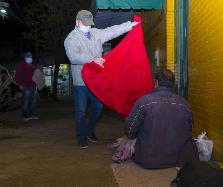 Frio e a vulnerabilidade das pessoas em situação de rua foram destaques do CBN Paraná