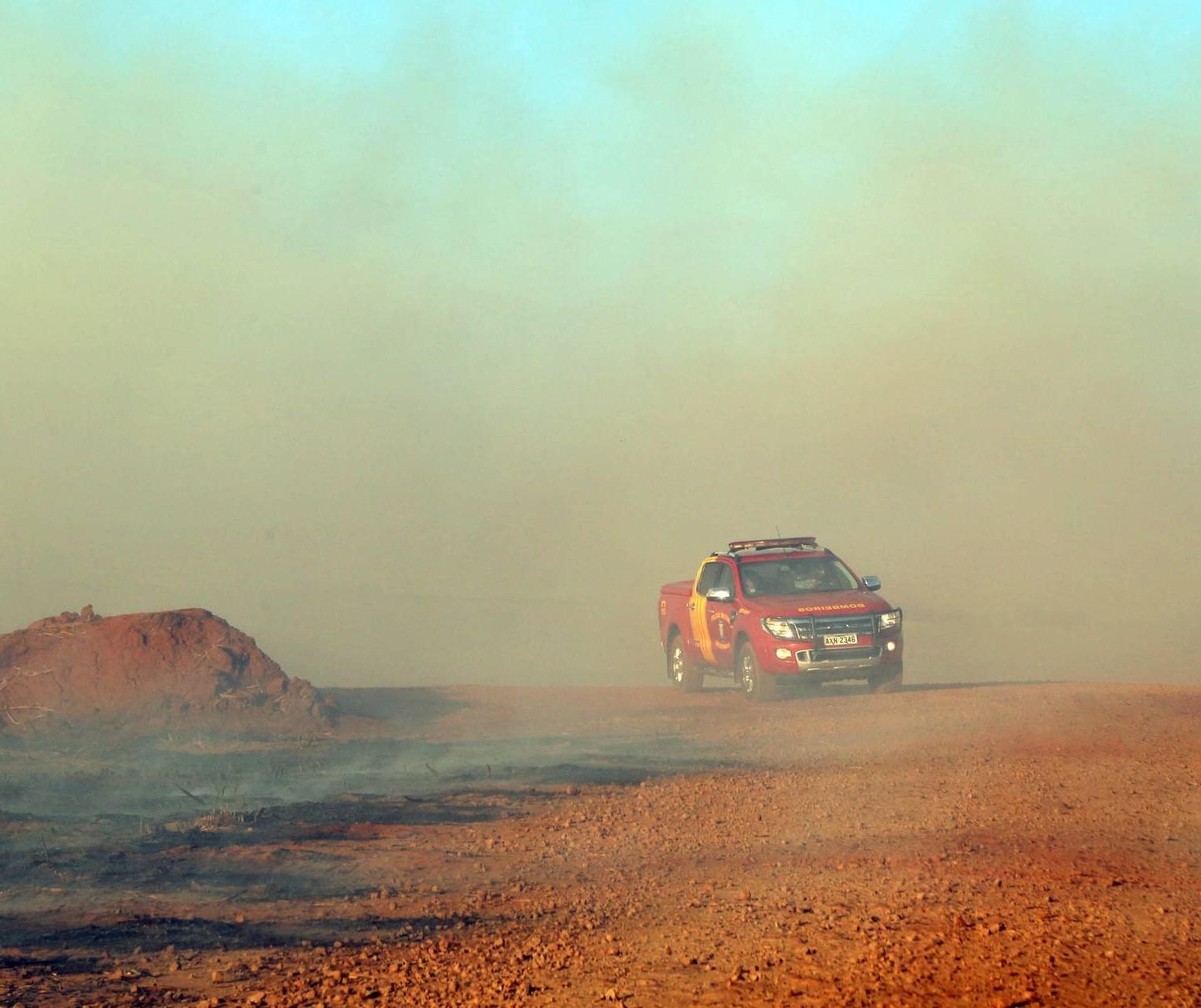 Seca e geada acendem alerta de incêndios no Paraná