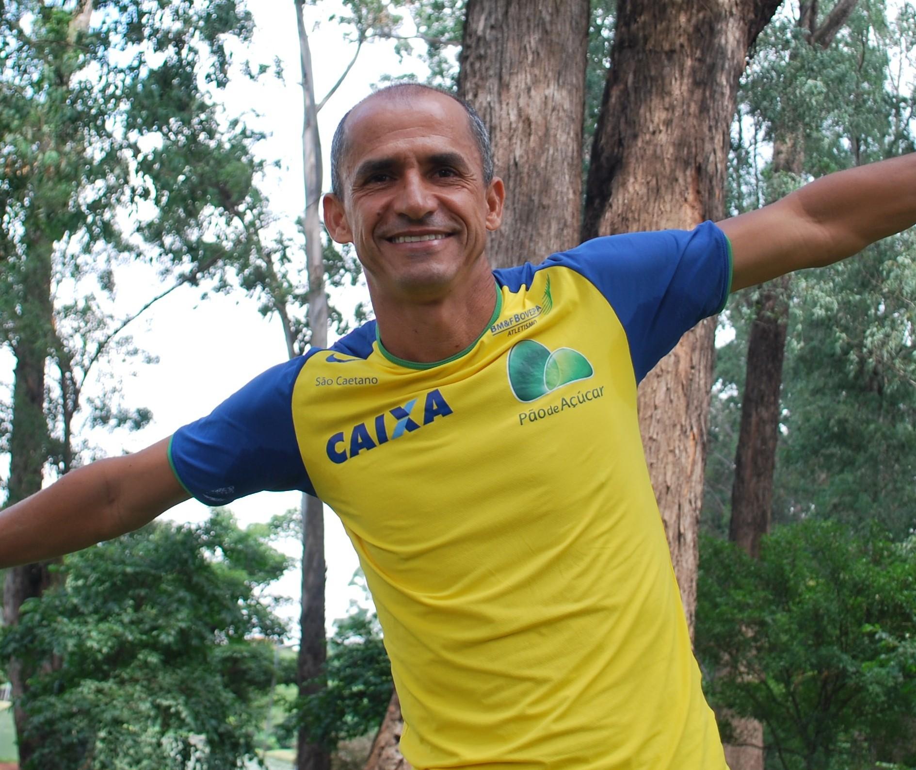 Ex-maratonista Vanderlei Cordeiro de Lima vai liderar caminhada no Parque do Ingá