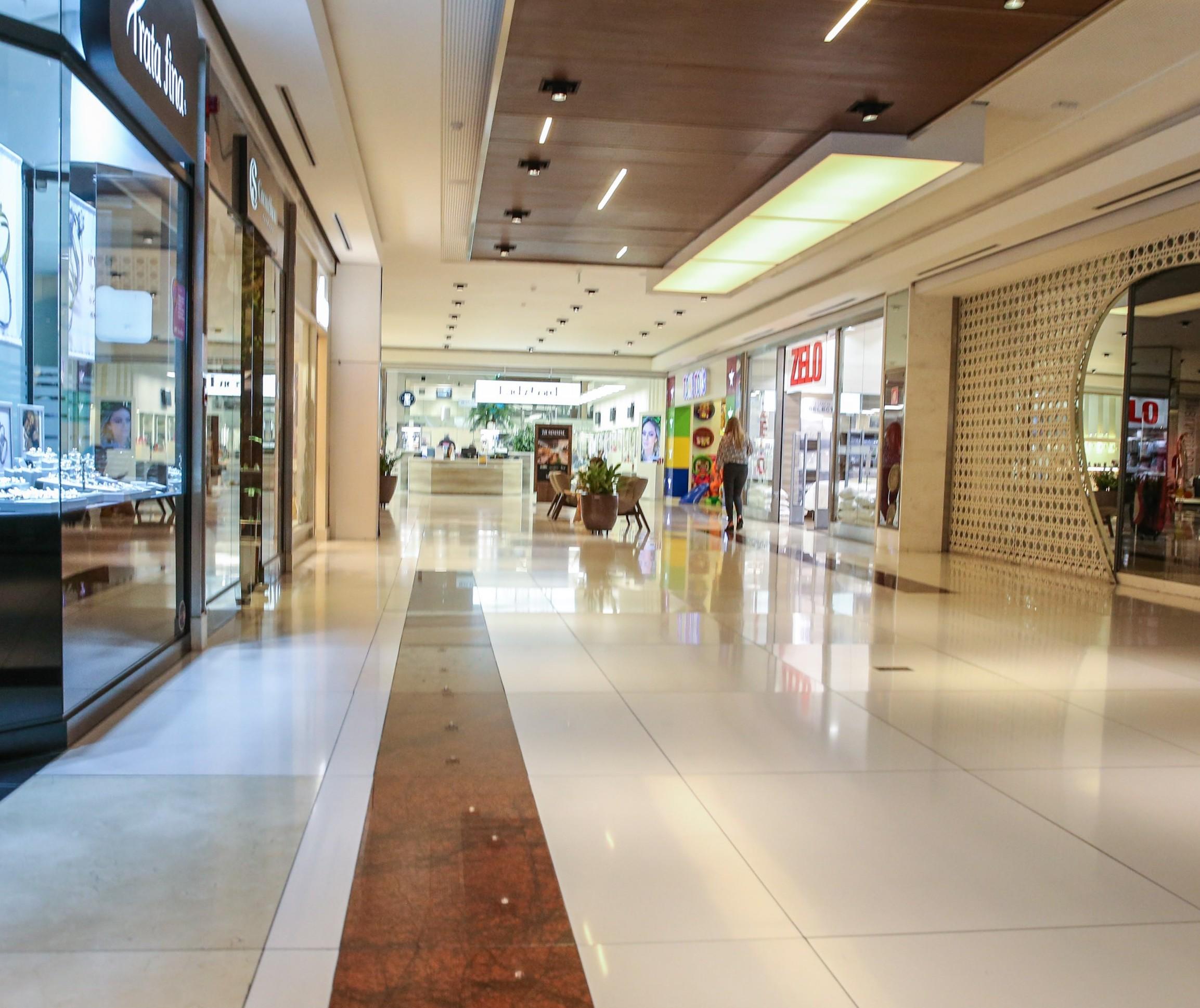 Shoppings pedem na Justiça o retorno às atividades