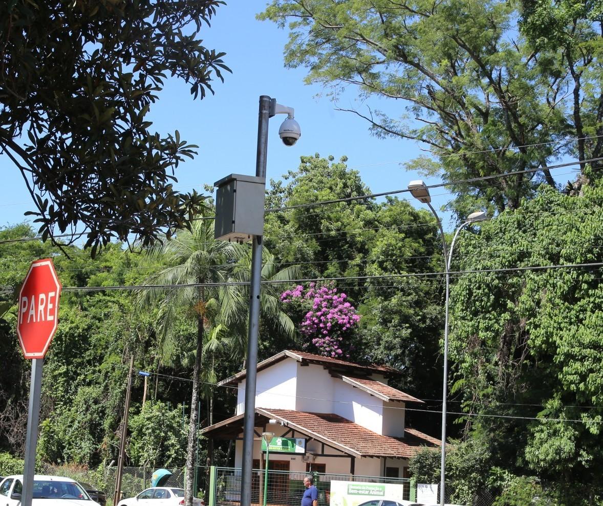 Das 70 supercâmeras, pelo menos 30 não funcionam em Maringá