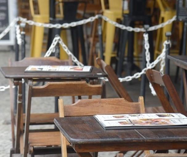 260 pessoas foram demitidas de bares e restaurantes em Maringá