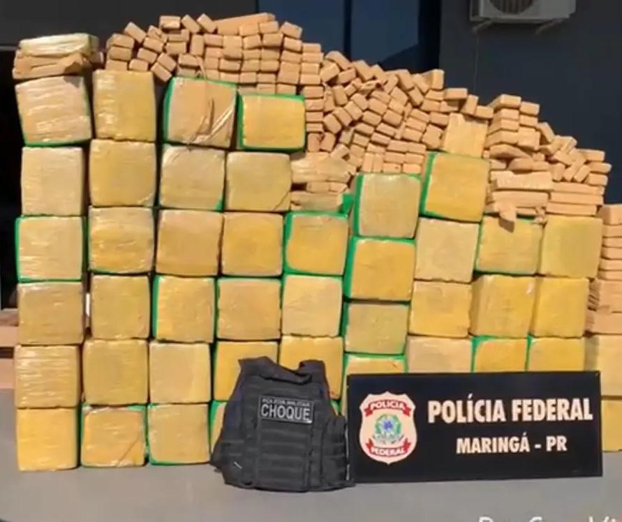 PF de Maringá e PM apreendem mais de 1 tonelada de maconha em caminhonete