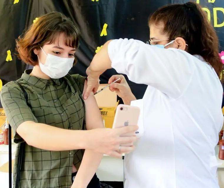 Maringá diminui para 56 dias intervalo entre doses da Pfizer, anuncia Secretaria de Saúde