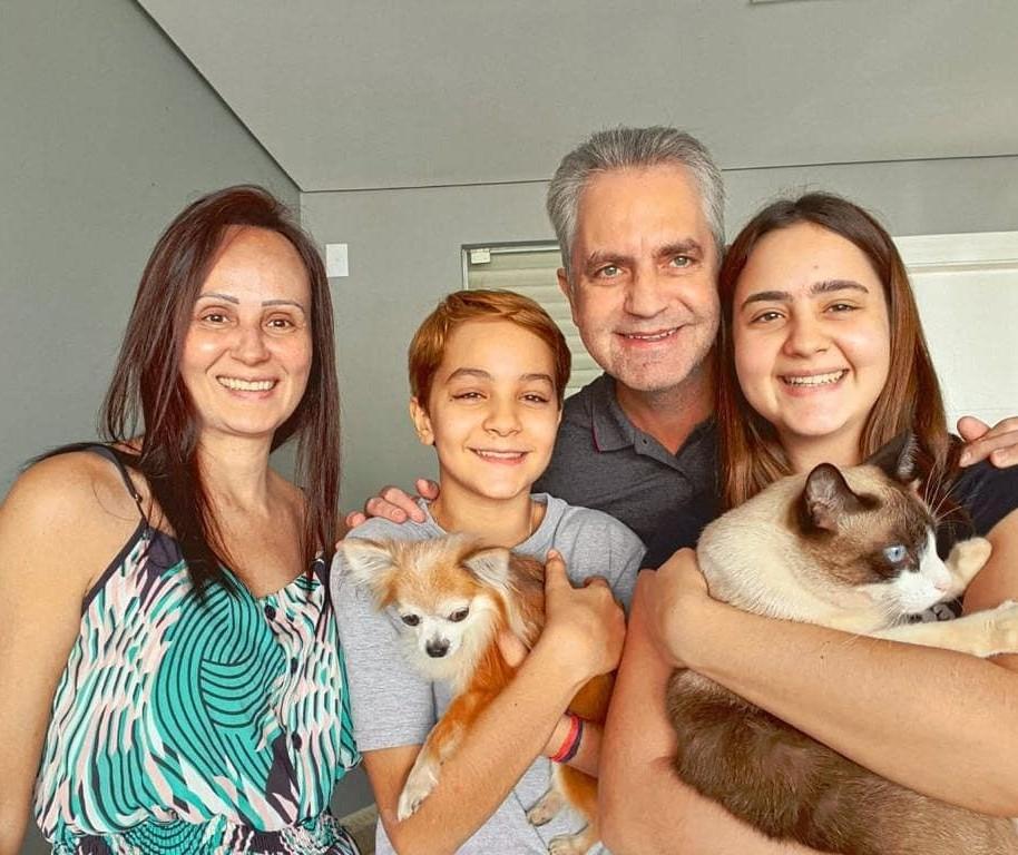Mulher e filho do prefeito de Maringá testam positivo para coronavírus