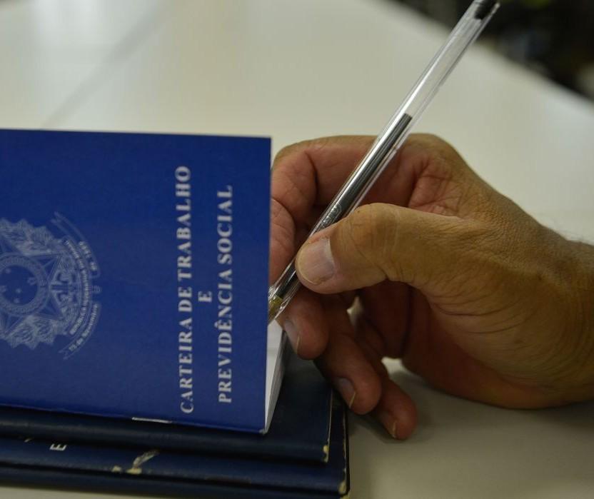 Recorde do ano: Maringá inicia semana com 1.864 vagas de emprego abertas; candidate-se online