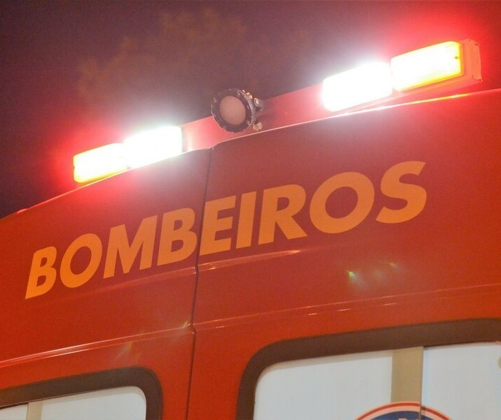 Bombeiros encontram corpo carbonizado após incêndio em recanto