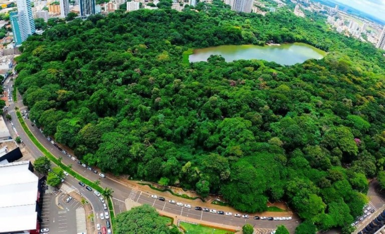 Com a chuva, nível do lago do Parque do Ingá sobe 20 cm
