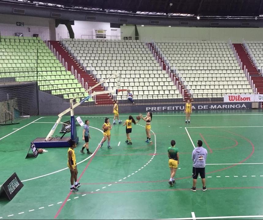 Campeonato paranaense de basquete feminino ocorre em Maringá